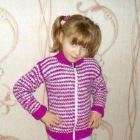 Кофточка для девочки – работа Надежды Савиной