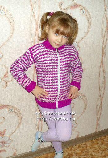 Кофточка для девочки – работа Надежды Савиной. Вязание спицами.