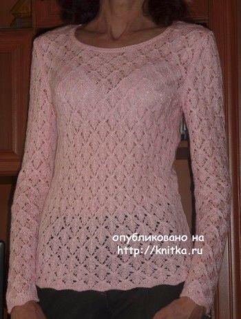 Пуловер с узором листья – работа Марины. Вязание спицами.