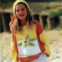 Детский пуловер с цветком