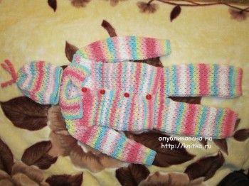 Костюмчик для малыша – работа Марии Гнедько. Вязание спицами.