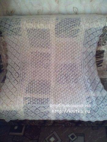 Пуховая шаль спицами – работа Юлии. Вязание спицами.