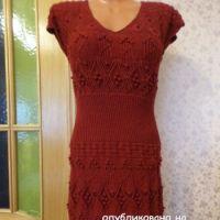 Вязаное спицами платье – работа Светланы