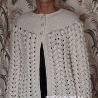 Белый жакет спицами – работа Марины Ефименко