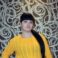 Желтый свитер спицами – работа Ирины Стильник