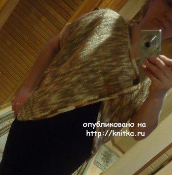 Вязаное пончо из меланжевой пряжи – работа Валерии. Вязание спицами.