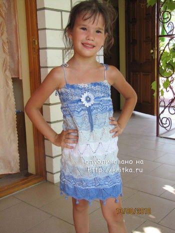 Детский сарафан спицами – работа Арины. Вязание спицами.