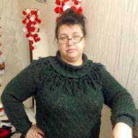 Вязаный спицами пуловер – работа Оксаны Усмановой