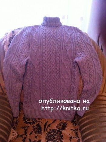 Мужской свитер спицами – работа Любови Жучковой. Вязание спицами.