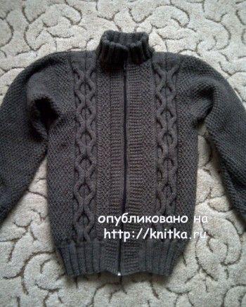 Вязаная кофта для мальчика – работа Анастасии. Вязание спицами.