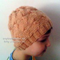 Весенняя шапочка – работа Анастасии