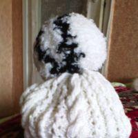 Вязаные спицами шапочки – работы Натальи