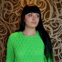 Зеленый свитер спицами – работа Ирины Стильник