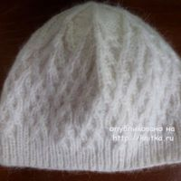 Вязаная спицами шапочка – работа Марины Ефименко