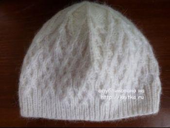 Вязаная спицами шапочка – работа Марины Ефименко. Вязание спицами.