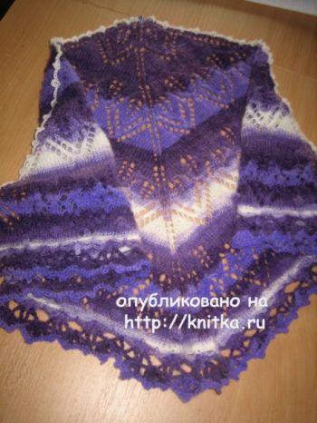 Вязаная спицами шаль – работа Gunta Minalgo. Вязание спицами.