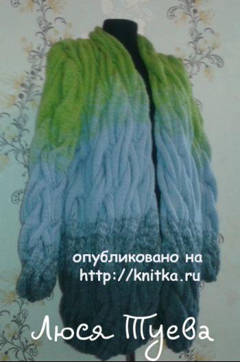 Кардиган спицами Лало из объемных кос
