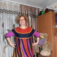 Вязаное спицами платье. Работа Цвикевич Светланы