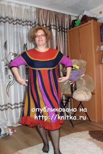 Вязаное спицами платье. Работа Цвикевич Светланы. Вязание спицами.