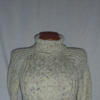 Женский свитер спицами. Работа Веры