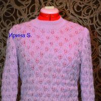 Вязаный спицами свитер. Работа Ирины Стильник