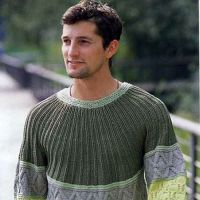 Мужской свитер в зеленых тонах
