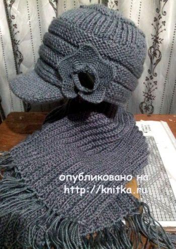 Шапочка с козырьком и шарф. Работы Валентины. Вязание спицами.