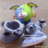 Вязаные детские сапожки Помпонеллы. МК от Любови