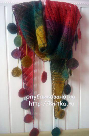 Вязаный шарф – косынка. Работа Лилии. Вязание спицами.