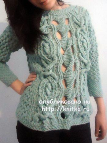 Вязаный женский свитер. Работа Лилии. Вязание спицами.