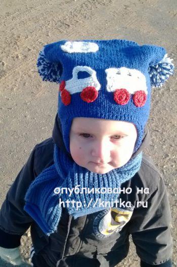 Шапочка для мальчика Паровозик. Работа Ольги. Вязание спицами.