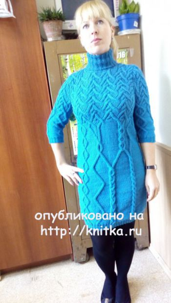 Вязаное спицами платье. Работа Марины Викторовны. Вязание спицами.
