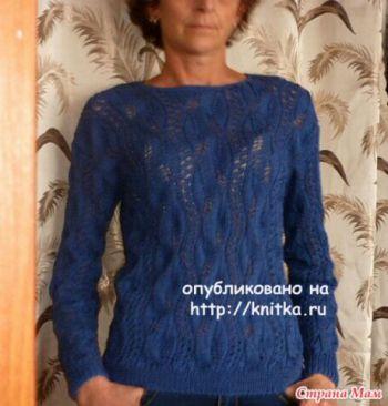Пуловер женский с узором листья, связанный спицами