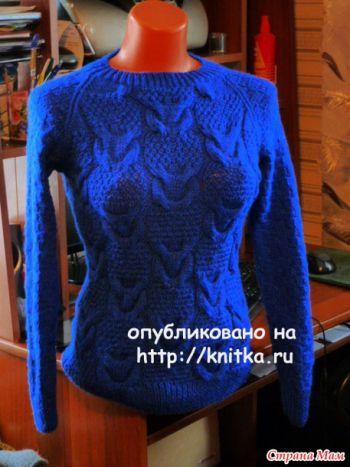 Синий джемпер. Работа Марины Ефименко. Вязание спицами.