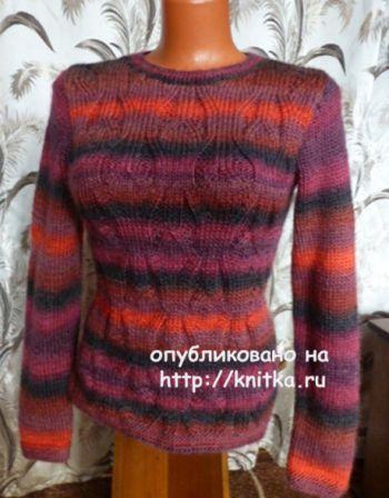Пуловер из секционной пряжи. Работа Марины Ефименко. Вязание спицами.