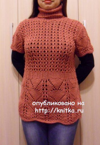 Вязаный спицами женский жилет. Работа Светланы Шевченко