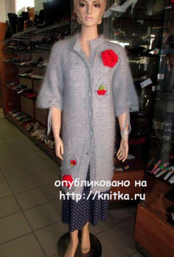 Пальто спицами. Работа Марии Гнедько. Вязание спицами.