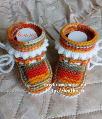 Вязаные спицами пинетки для новорожденных Меланж