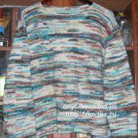 Пуловер из цветной пряжи. Работа Елены