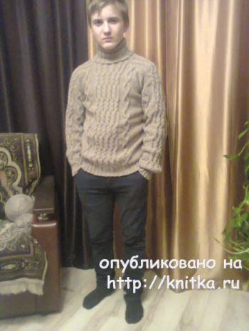 Мужской свитер спицами. Работа Татьяны Ивановны. Вязание спицами.
