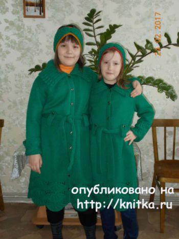 Кардиган для девочки спицами. Работа Валентины Кирсановой. Вязание спицами.
