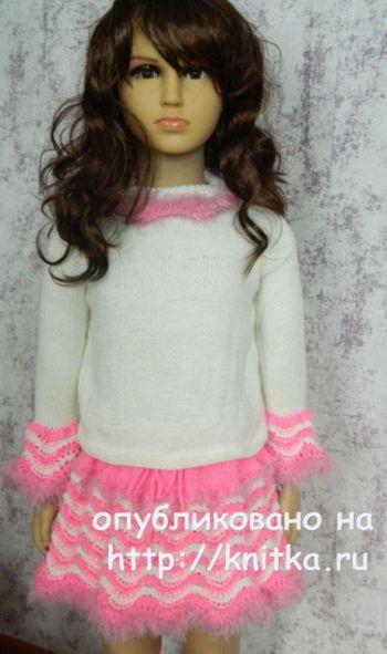 Платье и костюм для девочки спицами. Работы Алены Костиной. Вязание спицами.