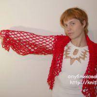 Красное болеро с капюшоном. Вязание спицами и крючком