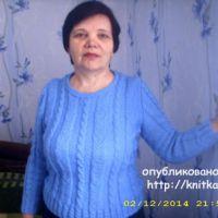 Женский свитер спицами. Работа Лидии Климович