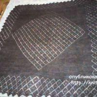 Пуховый платок, связанный спицами. Работа Раушании Уметбаевой