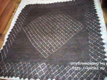 Пуховый платок, связанный спицами. Работа Раушании Уметбаевой. Вязание спицами.