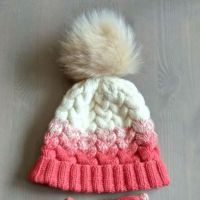 Комплект шапочка и митенки с градиентом и косами. Работа Александры Карвелис