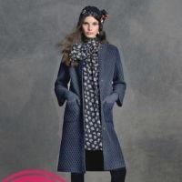 Учимся вязать модное пальто спицами