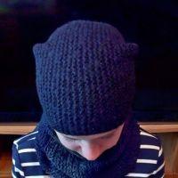 Комплект Антрацит: шапка и снуд спицами. Работа Валерии