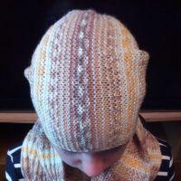 Комплект Меланж: шапка и снуд спицами. Работа Валерии